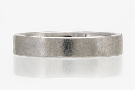Wedding band platinum, 8,8 g, size approx 58,5, width approx 3 mm, butler malmö.