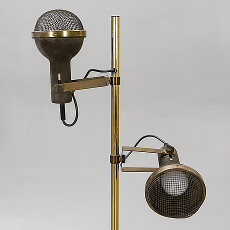 A late 20th century brass floor lamp.
