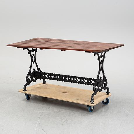 Trädgårdsbord, 1900-talets andra hälft.