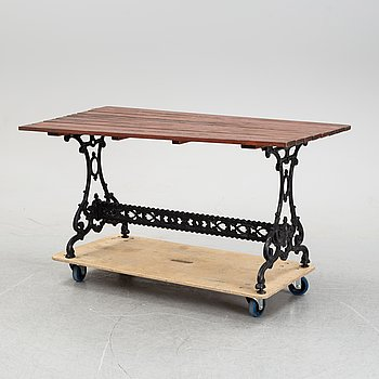 An aluminum garden table, second half of the 20th Century.