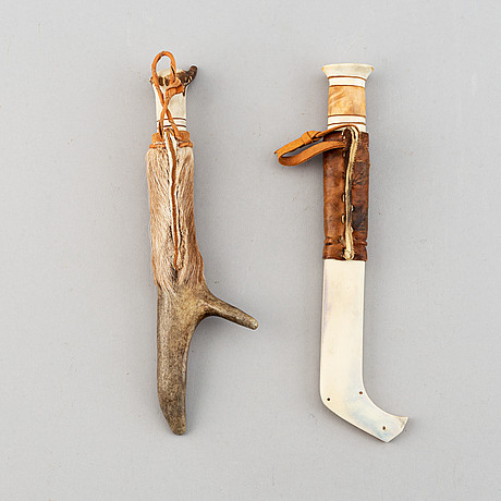Erik tuolja, two sami reindeer horn, birch wood, fur and leather knives, one signed et.