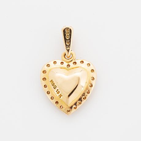 Heart shaped diamond pendant.