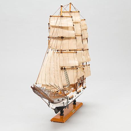 "Modellfartyg, ""suomen joutsen"", 1900-talets senare hälft."