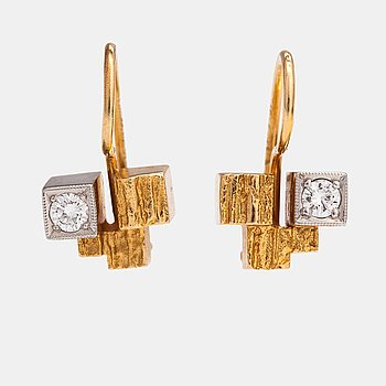"""Björn Weckström, A pair of 18K gold earrings """"Gold tower"""" with diamond ca. 0.16 ct in total. Lapponia 1967 and 1993."""