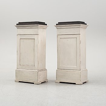 A pair of painted cabinets, 20th Century.