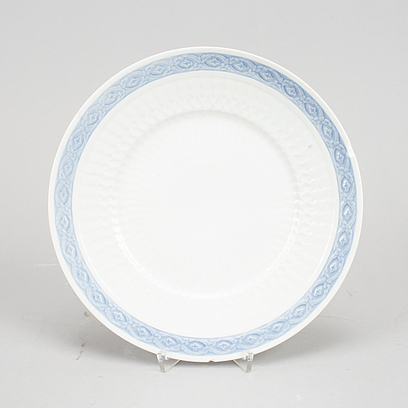 "A royal copenhagen porcelain service ""blå vifte"" by arnold krog, 28 pcs, denmark."