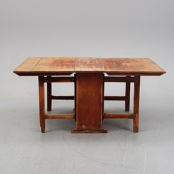 A painted gate leg table, 18/19th Century.