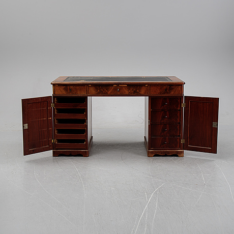 A mahogany writing desk, second half of the 2019th century.