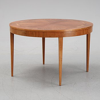 A dining table veneered with walnut, oak, palissander and beech from Mobilia Malmö,  1930s/1940s.
