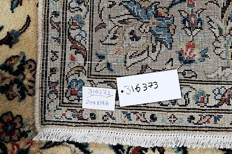 A carpet, kashan 294 x 196 cm.