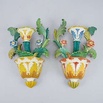 A pair of wooden wall sconces by Carl Malmsten, 1940's.