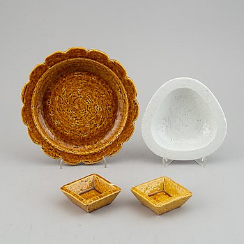 Gunnar Nylund, four stoneware dishes for Rörstrand, Sweden, mid 20th Century.