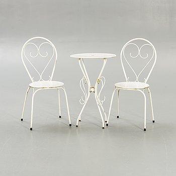 Trädgårdsmöbler, 2 stolar, bord, 1900-talets andra hälft.