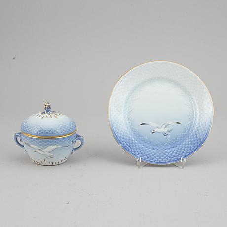 "Bing & grøndahl, a 41-pcs, porcelain coffee and tea service ""seagull"" (måsen), denmark."