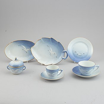 "Bing & Grøndahl, a 41-pcs, porcelain coffee and tea service ""Seagull"" (Måsen), Denmark."