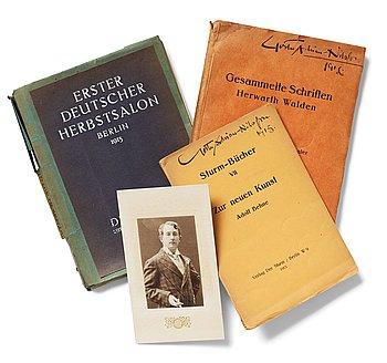 488. Utställningskatalog och konstböcker, 2 st, från Der Sturm samt fotografi föreställande Gösta Adrian-Nilsson (GAN).