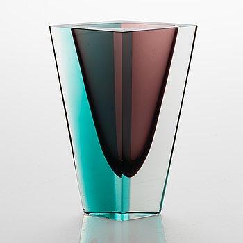 Kaj Franck, A glass vase 'Prisma' signed K. Franck, Nuutajärvi Notsjö -57.