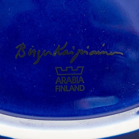 Birger kaipiainen, a ceramic dish signed birger kaipiainen, arabia, finland.
