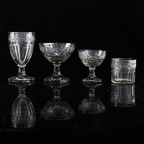 "Gerda strömberg, an early 20th century 37-pcs glass servis ""hörningsholm"", strömbergshyttan, sweden."
