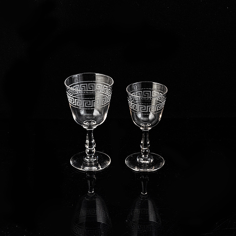 An early 20th century 21 psc glass service.
