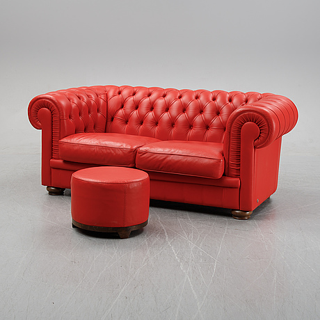 A leather upholstered sofa from natuzzi.