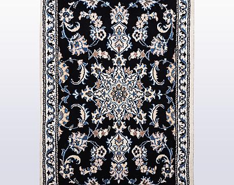 A runner, nain, part silk, ca 300 x 77 cm.