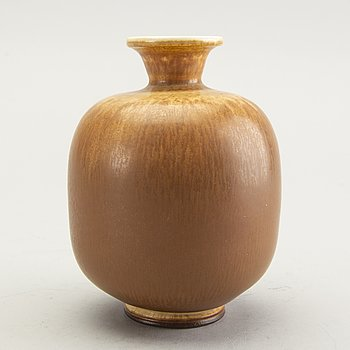 Berndt Friberg,  a stoneware vase, Gustavsberg studio, signed and dated 1976.