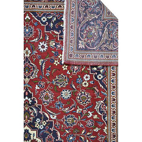 A carpet, kashan, ca 350 x 245 cm.