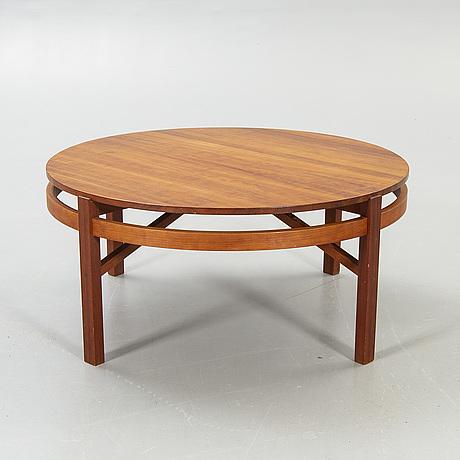 """Kerstin olby, coffee table, """"opus"""", cherries."""