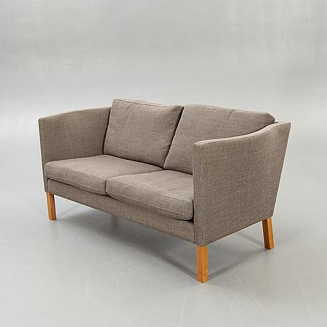 """Arne vodder, sofa , """"av59""""."""