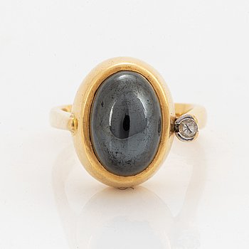 Ole Lynggaard, ring with hematite and diamond.