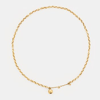 An 18K gold Ole Lynggaard necklace.