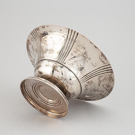 Cg hallberg, skål på fot, silver, stockholm, 1935.