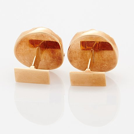A pair of 14k gold lapponia cufflinks.