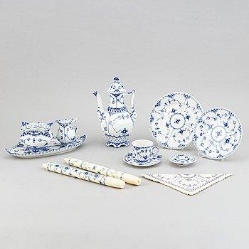 """A 32-pcs Royal Copenhagen """"Blue Fluted Full lace"""" porcelain coffee service."""