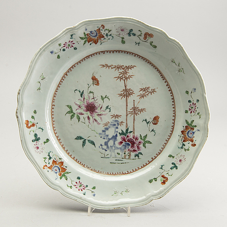 A chinese porcelain qianlong famille rose plate.