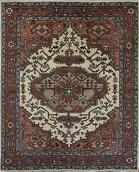 A carpet, Heriz Design, ca 300 x 245 cm.