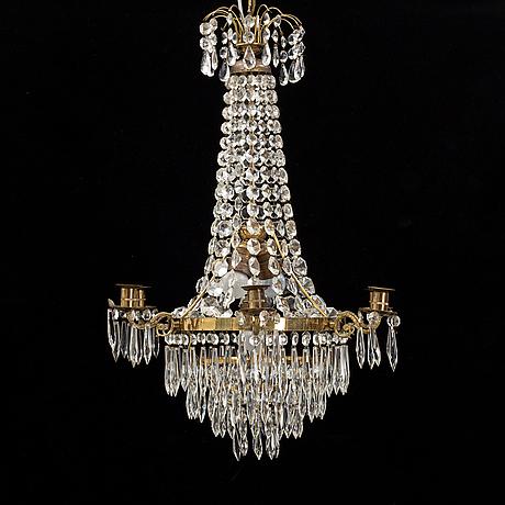 An 20th century chandelier.