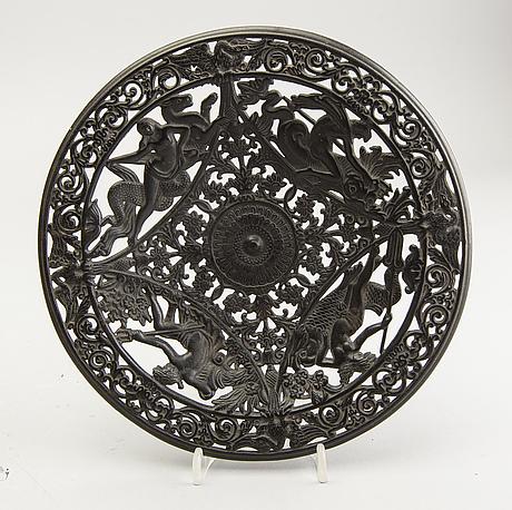 Plates 2 pcs kasli factory russia around 1900 cast iron.
