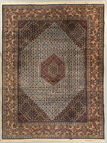 A semiantique bidjar carpet ca 350 x 263 cm.
