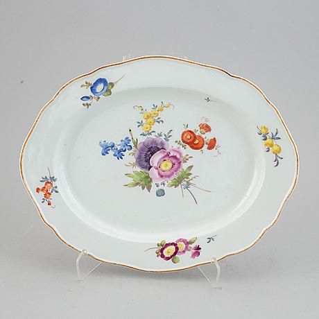 A meissen porcelain serving dish, 19th century.