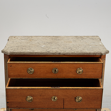 A late gustavian chest of drawers, around the year 1800.