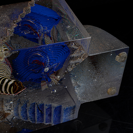 A glass sculpture by bertil vallien, for kosta boda.