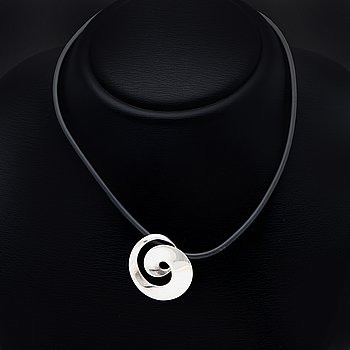 "Georg Jensen necklace sterling silver and rubber, design ""Möbius"" by Torun Bülow nr 443, original case."