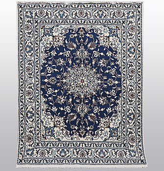 A rug, Nain, part silk, 9 LAAm 203 x 147 cm.