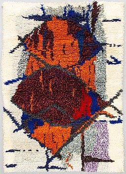 Tuula Saarenpää, a Finnish long pile rug for Kuortaneen Kotikutomo. Circa 147x105 cm.