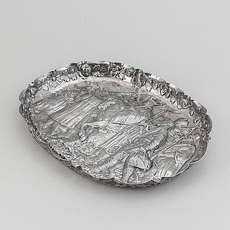 Presenterfat, silver, barockstil, sannolikt 1800-tal.