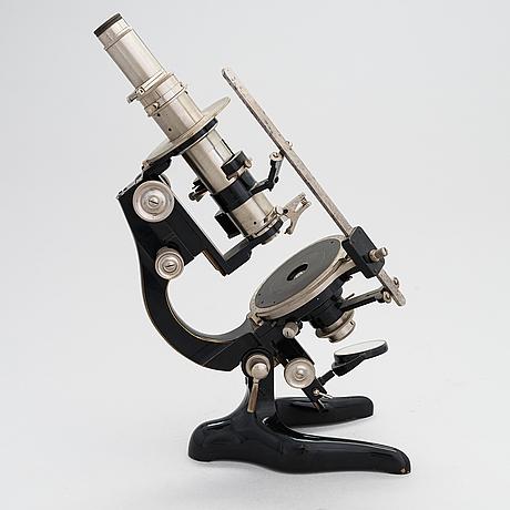 Ernst leitz wetzlar, polarizing microscope, 2nd quarter of the 20th century.