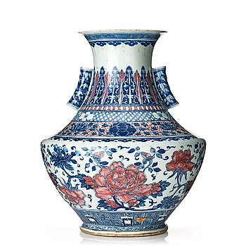 848. A large blue and white and iron red vase, Qing dynasty, 19th Century.