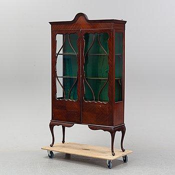 A mahogany vitrine cabinet, 20th Century.